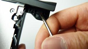 frontplattan på ett säkert sätt från den optiska enheten